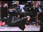 Melissa McCarthy Unable To Walk In High Heels In 'SNL' Monologue [FULL VIDEO]